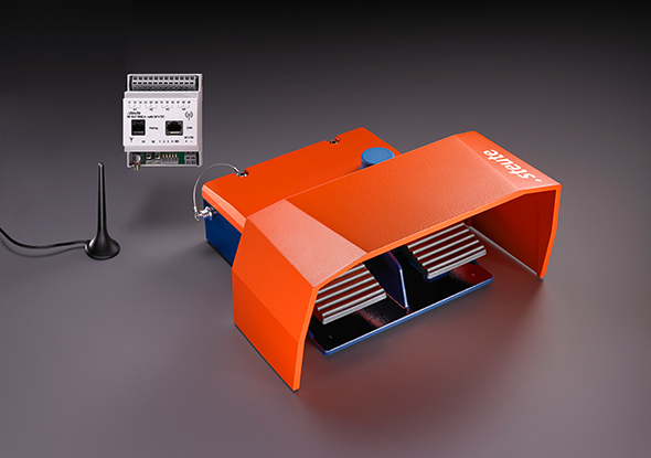 Wireless foot switch - sWave-technology - steute